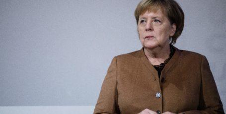 Конец эпохи: Меркель передает власть
